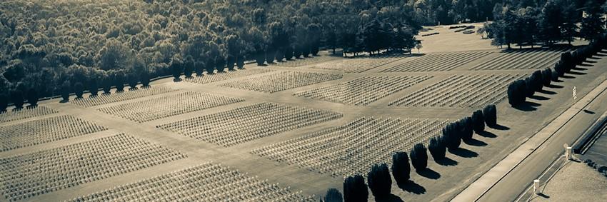 Soldatengräber vom Turm aus fotografiert