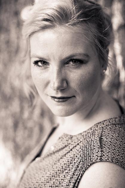 Porträt von Fotografin Conny Hilker
