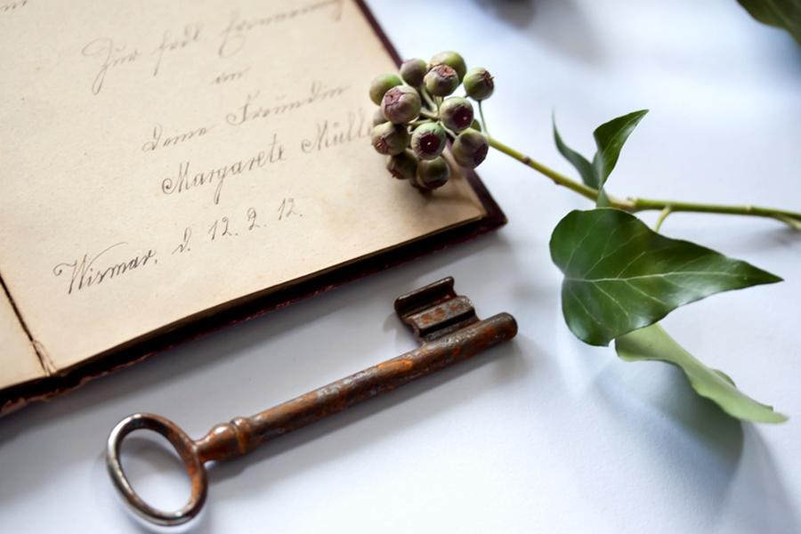 Poesiealbum, Efeu und Schlüssel